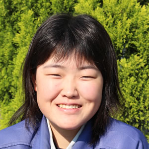 栁沢 桃子